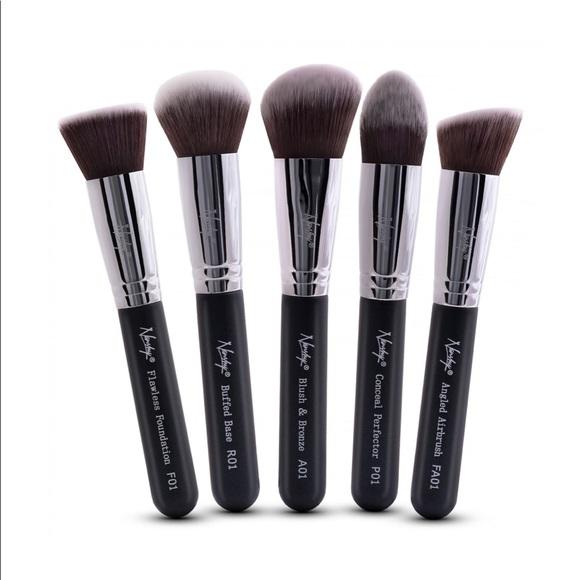 3e27cbb14945 NANSHY Gobsmack Glamorous Onyx Black Brush Set